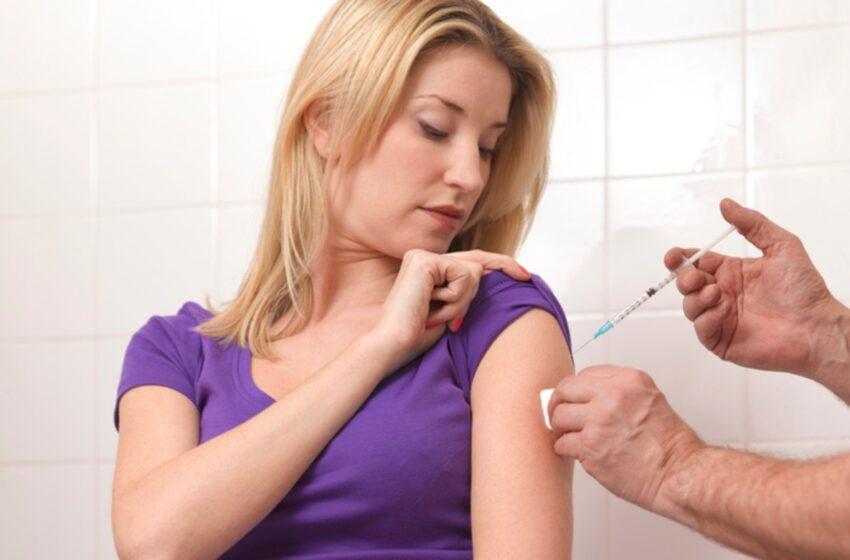 Por error, vacunaron seis veces a una joven contra el COVID-19 en Italia