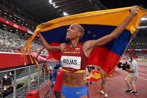 Yulimar Rojas gana oro para Venezuela con récord olímpico y mundial en salto triple